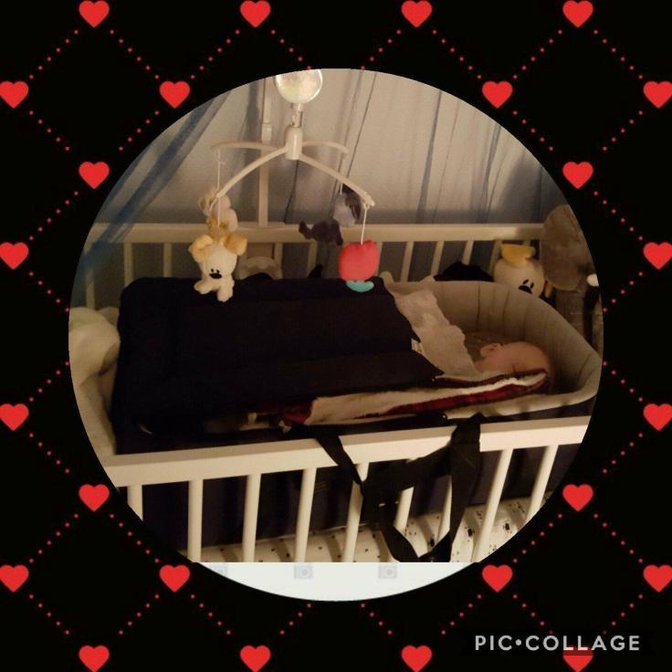 dylano slaapt op eigen kamer