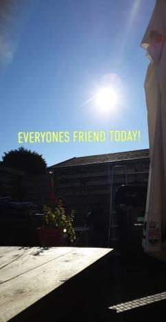 zondagse zon koffie moment